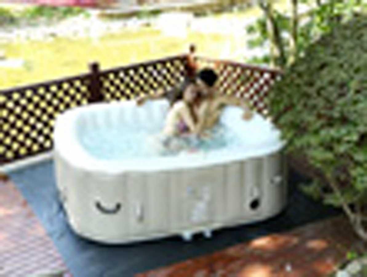 mobilier de jardin et univers de la piscine habitat et. Black Bedroom Furniture Sets. Home Design Ideas
