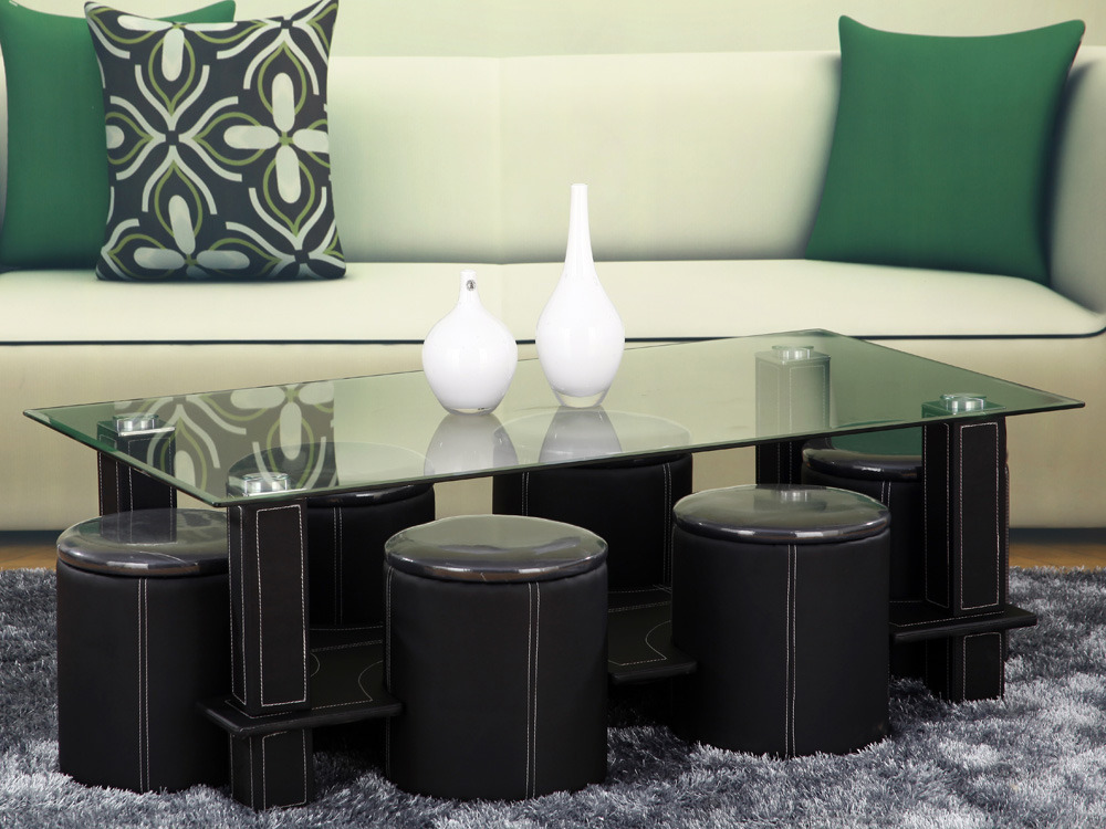 table basse en verre avec deux poufs. Black Bedroom Furniture Sets. Home Design Ideas
