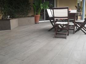 Lot de 17,76 m² de Lame aspect bois - 120 x 20 cm