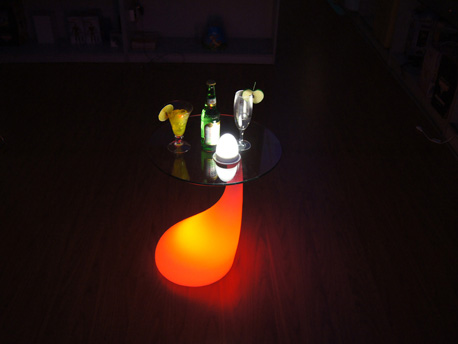 "Table basse lumineuse ""Milan"" - Led multicolore - 39 x 39 x 53 cm"