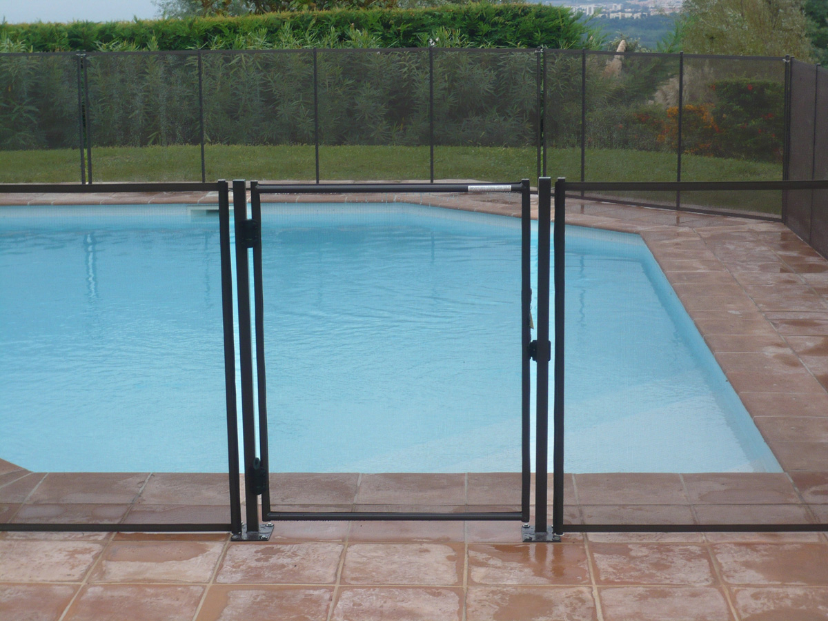 Vente barri re piscine tritoo maison et jardin for Portillon pour piscine