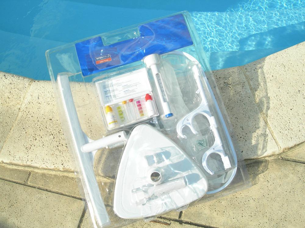 Kit accessoires de nettoyage liner 55864 - Produit nettoyage liner piscine ...