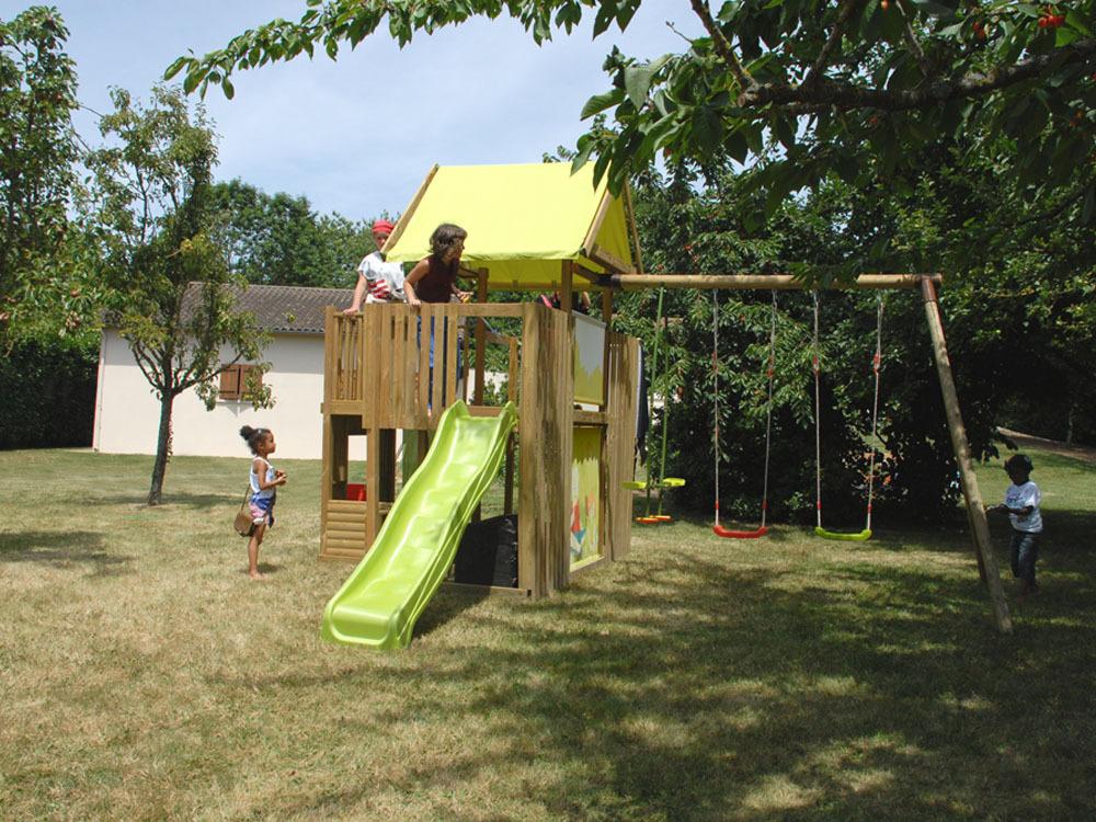 comment fabriquer un portique en bois. Black Bedroom Furniture Sets. Home Design Ideas