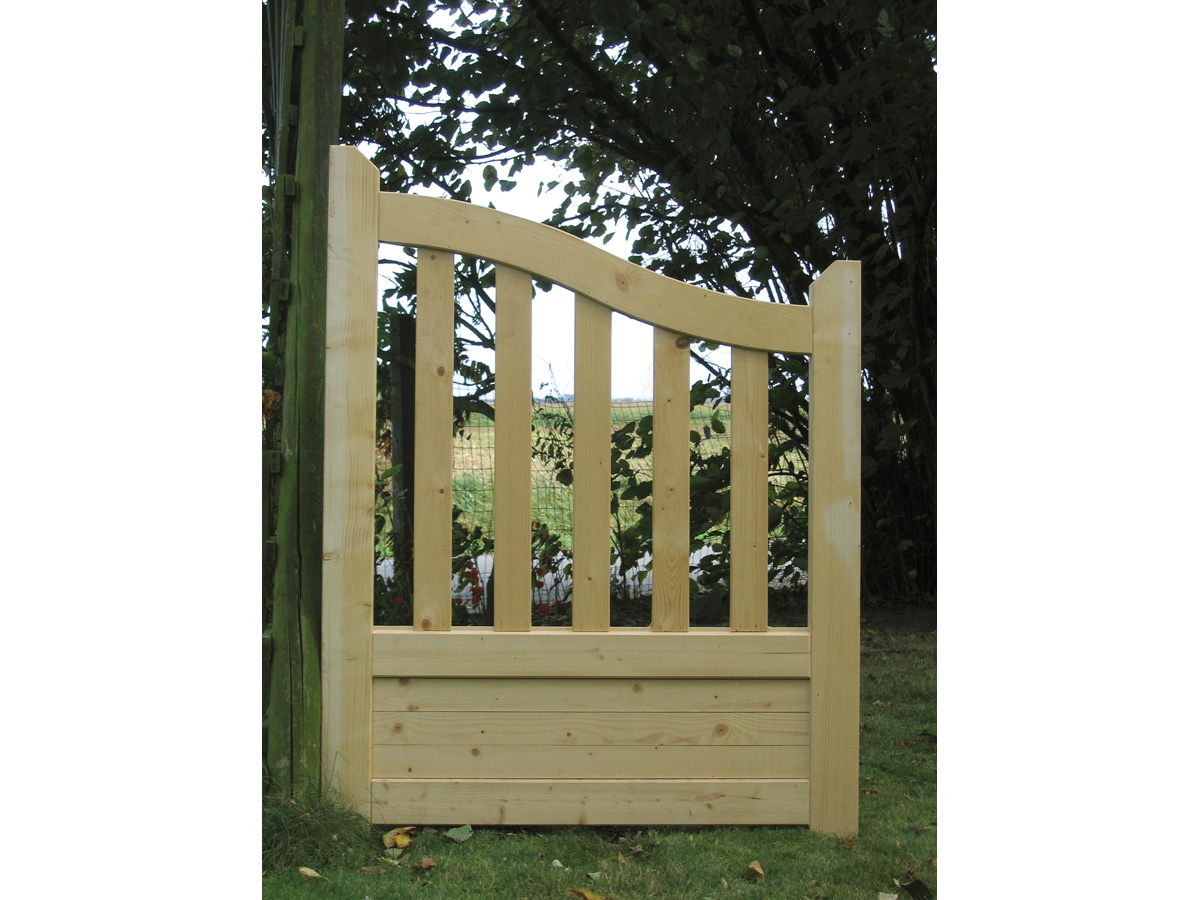 Portillon de jardin en bois for Portillon piscine bois