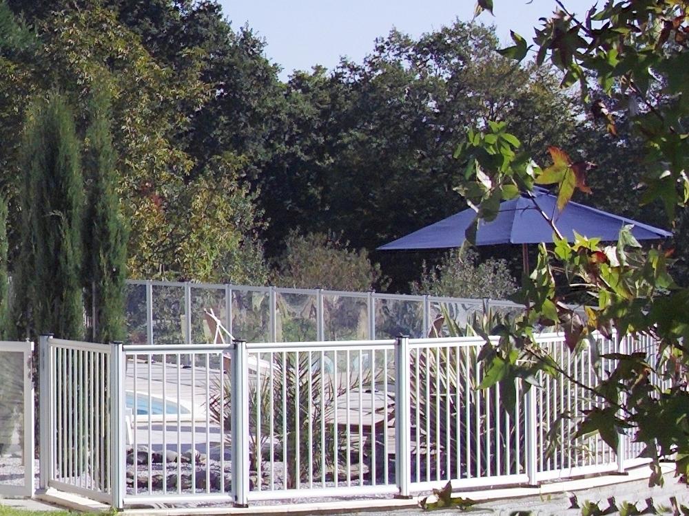 barri re de piscine panneau barreaudage 33025 33026. Black Bedroom Furniture Sets. Home Design Ideas