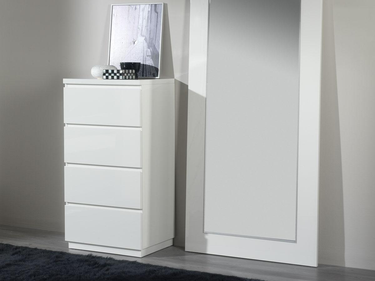 Chiffonnier Opale - 59 x 45 x 113 cm - 4 tiroirs - Coloris blanc