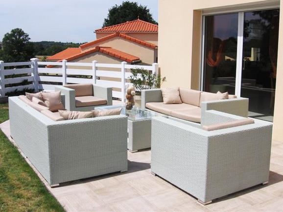 Salon jardin table basse 51897 53445 for Salon de jardin en beton