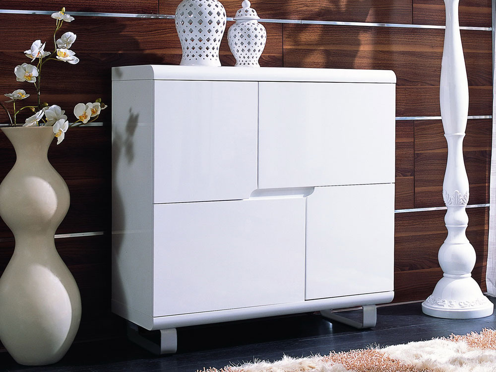 Buffet coulis en mdf laqu blanc 4 portes pieds for Petit buffet salon