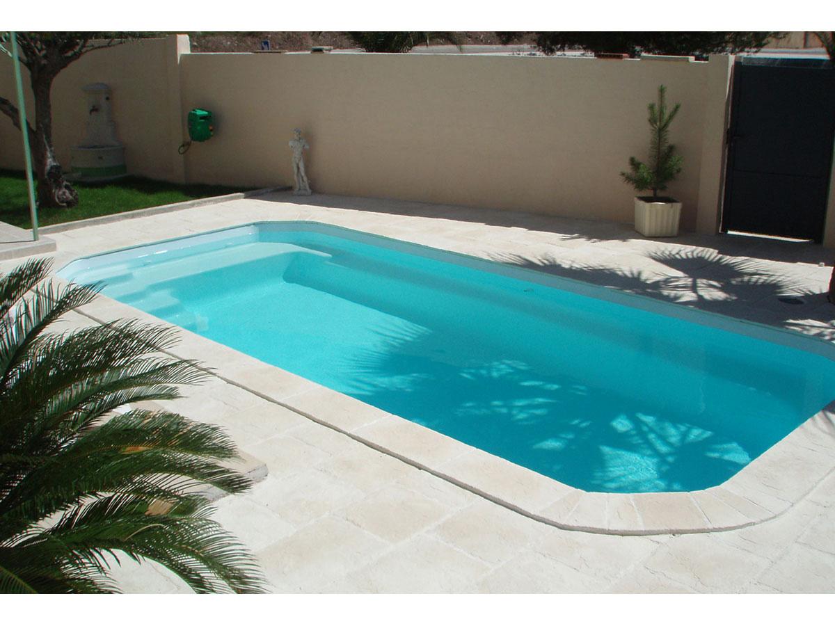 Lot de 41 margelles de piscine domus droites 60 x 3 x 33 cm 4 margelles angle rentrant 38 for Prix piscine maconnee 8x4