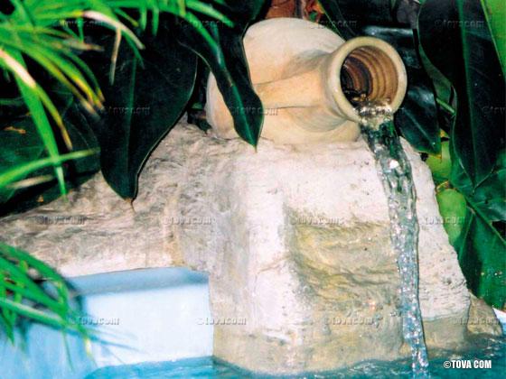 Cascade rocher et jarre en rocher d coratif couleur - Les produits menagers utilises dans le jardin ...