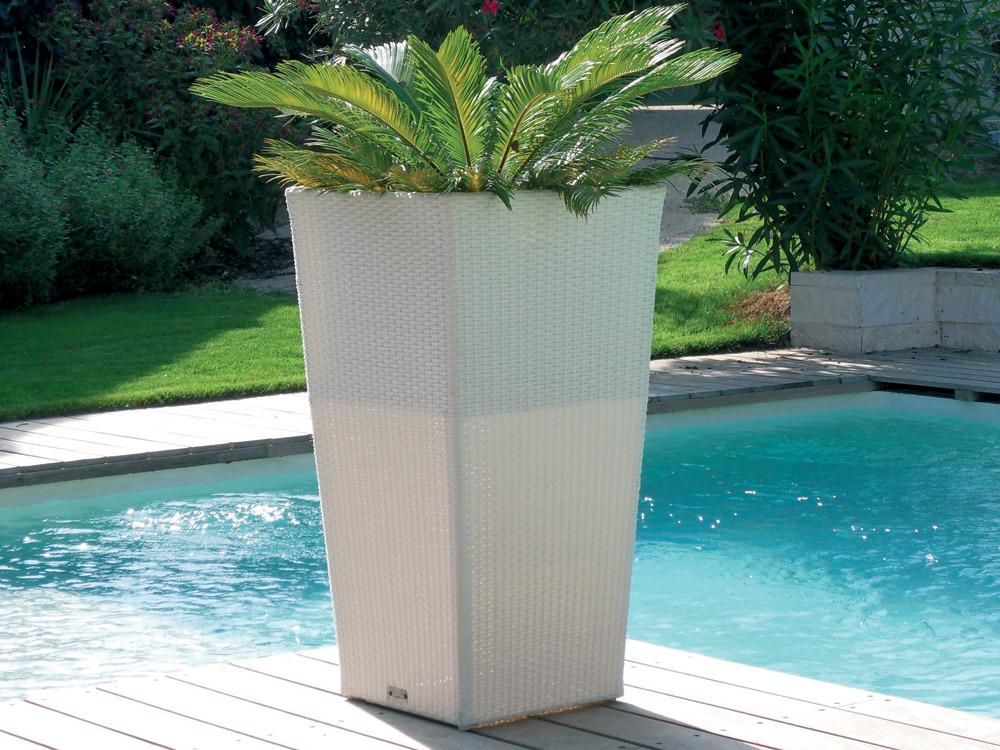 cache pot blanc r sine tress e 50 x 50 x 90 cm 59631. Black Bedroom Furniture Sets. Home Design Ideas